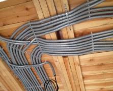 Какую проводку выбрать для деревянного дома.