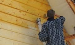 Как обработать стены из профилированного бруса
